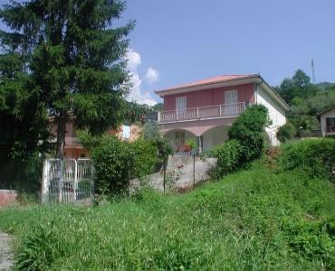 Albenga entroterra Villa €. 250.000.00