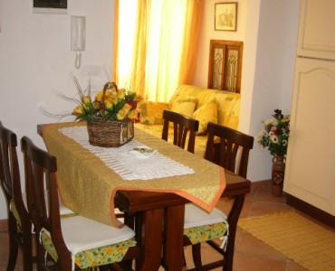 Albenga centro storico porzione di casa €. 220.000