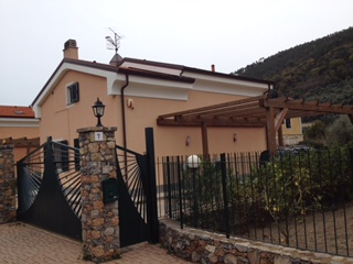 Cisano Villa seminuova €. 450.000,00