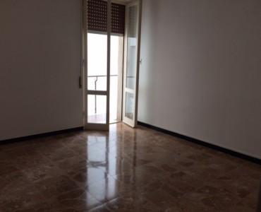 Albenga Affittasi Trilocale Vuoto €€. 500,00