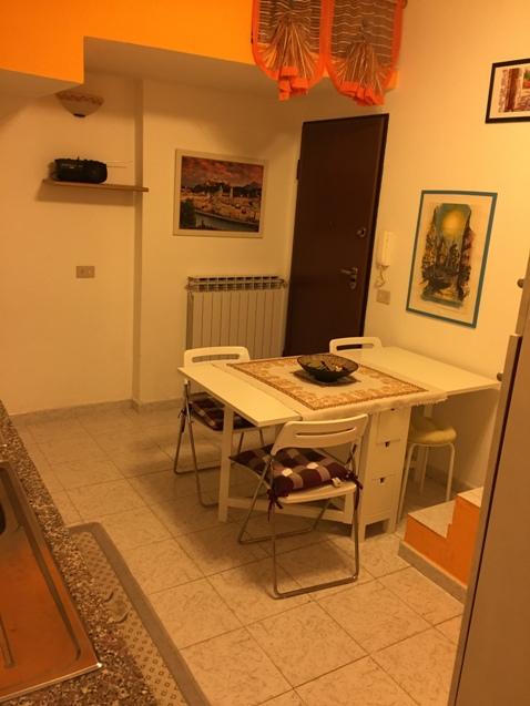 Albenga trilocale nel centro storico  €. 139000