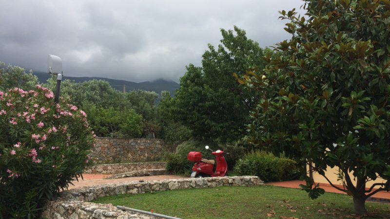 Ceriale bellissima villa con giardino €. 540.000 ;