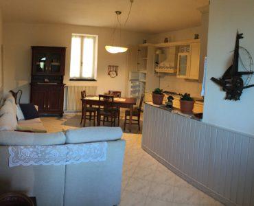 Albenga Leca bilocale arredato con porticato giardino e orto;
