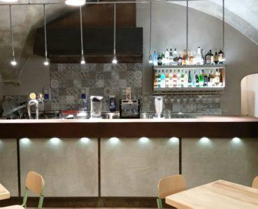 Albenga cedesi Cocktail bar avviatissimo;