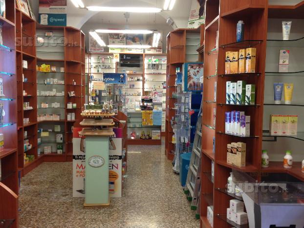 Albenga centralissimo magazzino negozio vendesi muri ottimo prezzo - Arredo bagno albenga ...