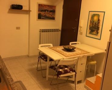 Albenga trilocale nel centro storico  €. 125000