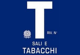 Alassio cedesi Tabaccheria con giochi posizione centralissima;