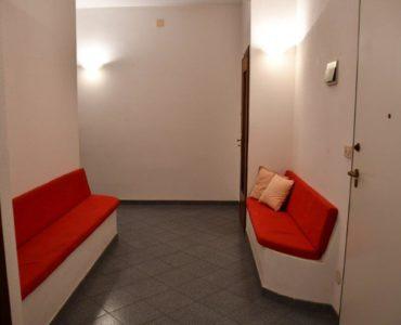 Albenga a pochi passi dal mare ampio trilocale con  2 balconi €.185.000;
